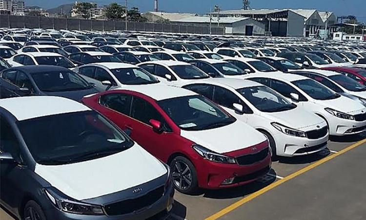 لغو ممنوعیت ترخیص خودروهای ۲۵۰۰ سی سی در مناطق آزاد